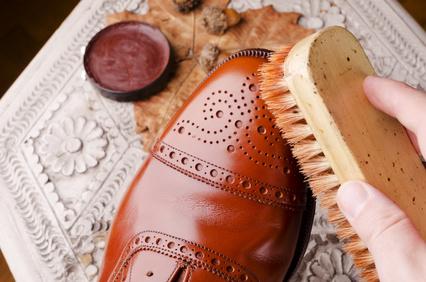 schuhe richtig putzen tipps und infos boots. Black Bedroom Furniture Sets. Home Design Ideas
